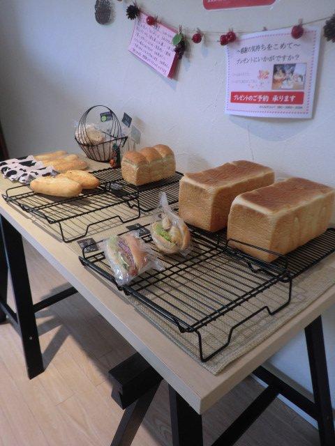 ありそうでなかった!こだわりも満載のコッペパンが美味しいパン屋さん