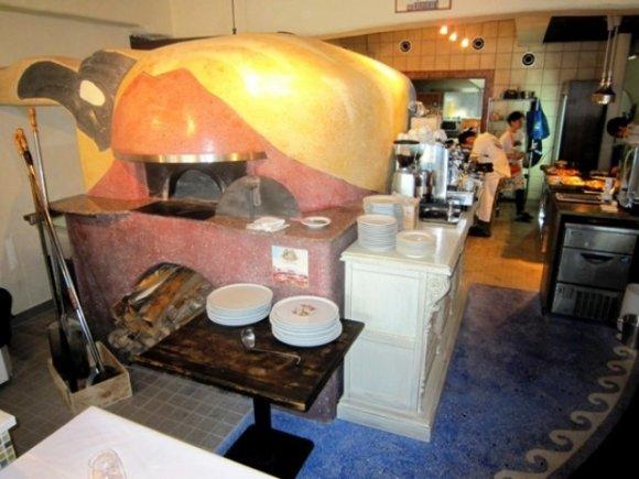 日本の「ナポリピッツァの聖地」は兵庫にあり!連日満席の名店
