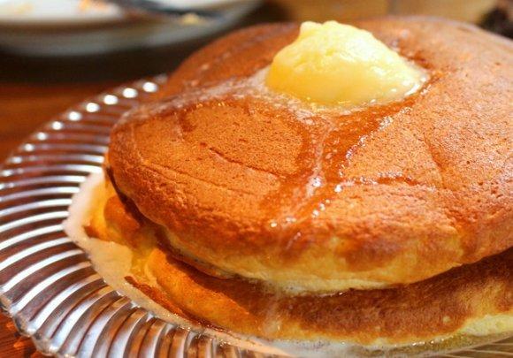 ふわふわしっとり生地の虜に…!都内で美味しいパンケーキが楽しめるお店