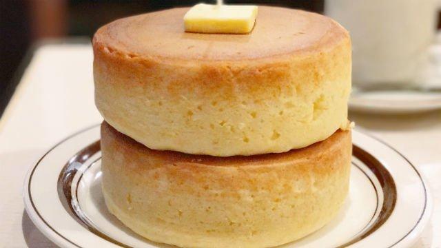厚さ4センチ以上!注文を受けてから焼く喫茶店の超極厚ホットケーキ