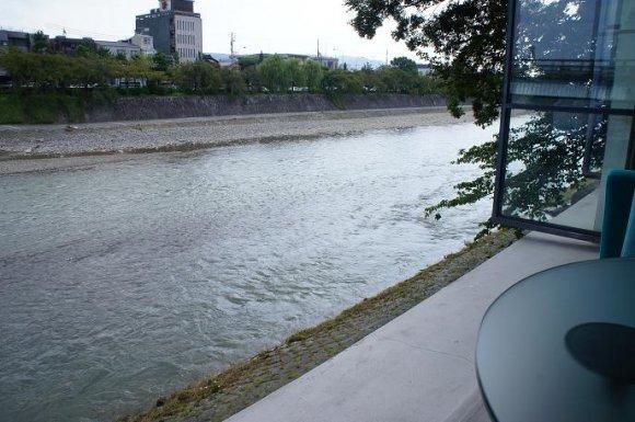 【京都】河原町から徒歩圏内!川沿いの居心地最高カフェ5選♪