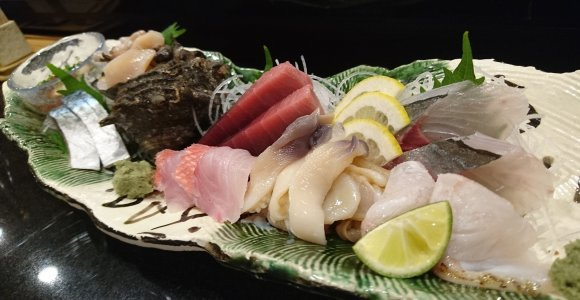 名物「活いか姿造り」は圧巻!銀座のど真ん中でお寿司もリーズナブルに