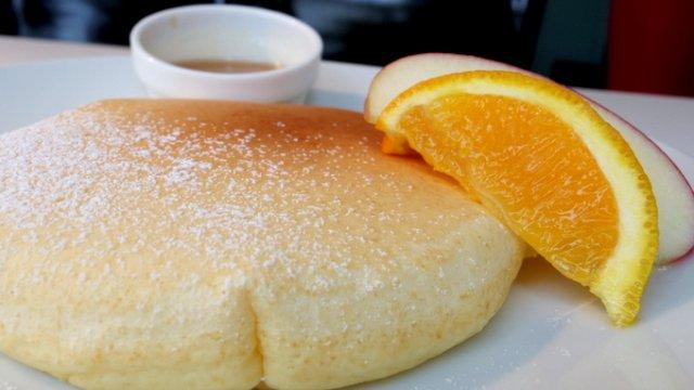 濃厚シロップに浸して食べる?代官山で本場NYのパンケーキ!