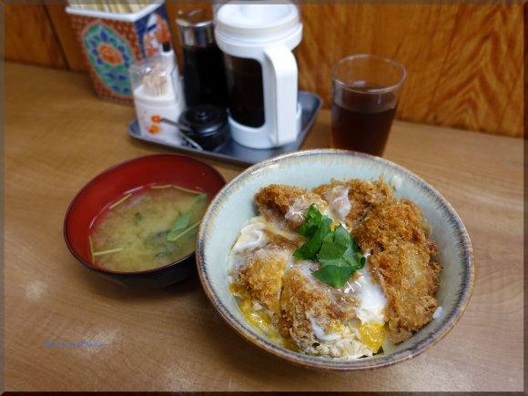 築地場内でガッツリご飯が食べたい時に!揚げ物やカツが旨い店「小田保」