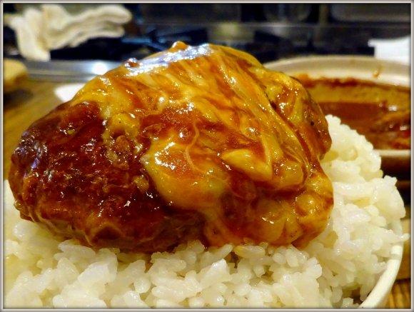 【土鍋ハンバーグ北斗星】寒い季節に食べたい!土鍋で煮込んだハンバーグ