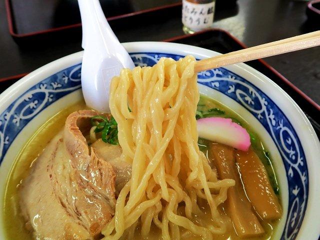 うどん県でも注文率8割以上!?うどんの製法で作った麺が美味い中華蕎麦