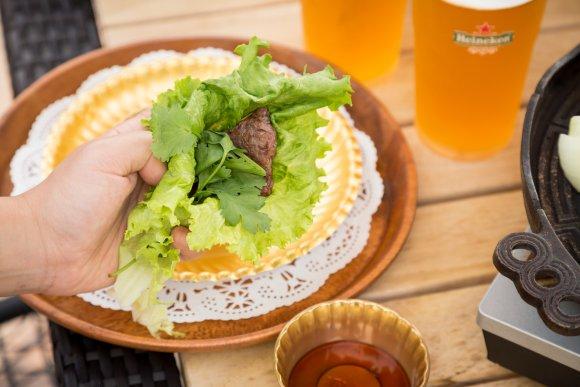 新宿駅直結!雰囲気抜群のルーフトップで焼肉を楽しめる極上ビアガーデン