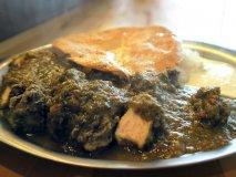 丸ごと伊勢海老カレーに肉てんこ盛りカレー!インパクト抜群の大阪カレー