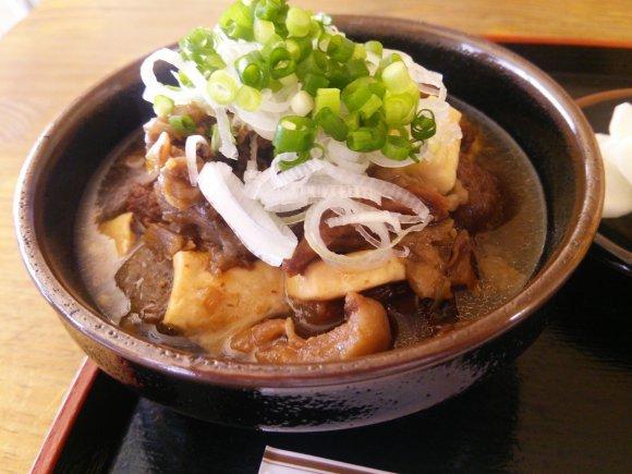 横浜の通が集まる飲み屋街・野毛!個性派ぞろいのディープなお店5記事