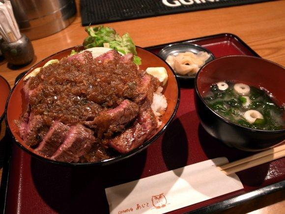 大阪でデカ盛り食べるなら!大食いチャレンジもできる驚愕の巨大メニュー