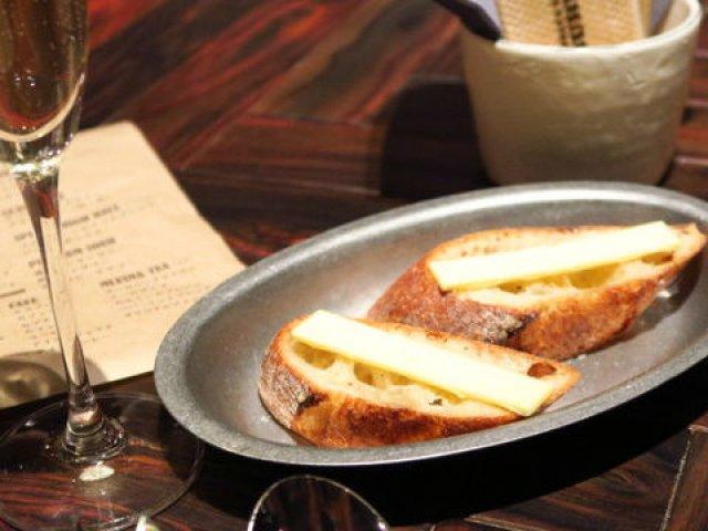今話題の「パン呑み」って知ってる?美味しいパンとお酒が楽しめる店5選