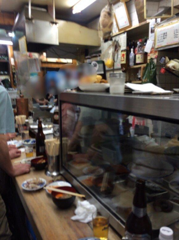 京橋立ち飲みストリートでまずは行くべき伝説の店『まるしん』