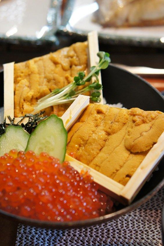 この豪華さで1000円前後!並んででも食べる価値のある超新鮮海鮮丼