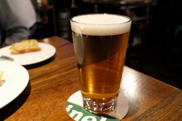 クラフトビール飲み放題&お肉料理コースが4800円で楽しめる穴場な店