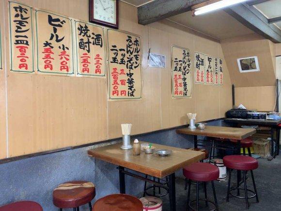 地元の人たちが愛する昔ながらの味!西成の老舗で味わう激安絶品ホルモン