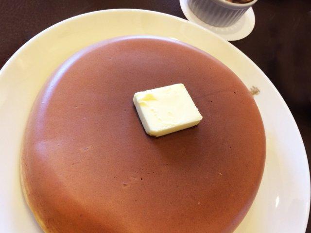 老舗洋菓子舗のレトロな喫茶室で極上ホットケーキとスイーツを