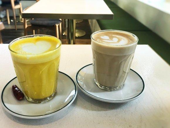 全米人気NO.1アイスが人気カフェとコラボ!たっぷりフルーツのパフェ