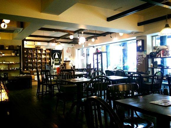 【梅田】あなたはどれ?器を選べるカフェで平日限定モーニング