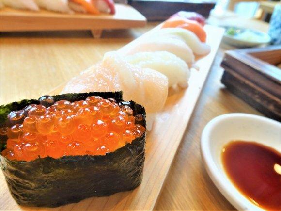 お値段以上のランチ!冷凍物不使用の絶品お寿司と自家製十割蕎麦が旨い店