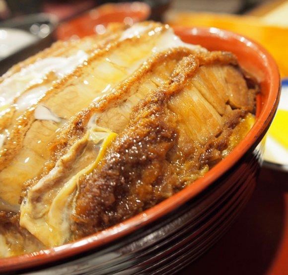 濃厚&肉厚のカツ丼は食べ応え十分!お客さんの8割がカツ丼を頼むそば屋