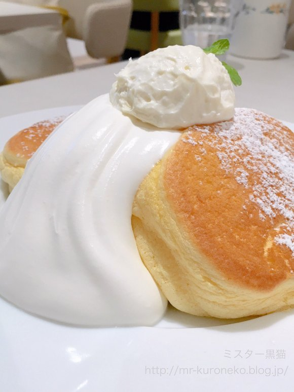 ふわしゅわの虜に!表参道で人気の「幸せのパンケーキ」が渋谷にオープン
